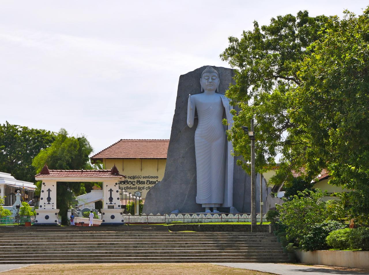 SriLankaDondraTemple